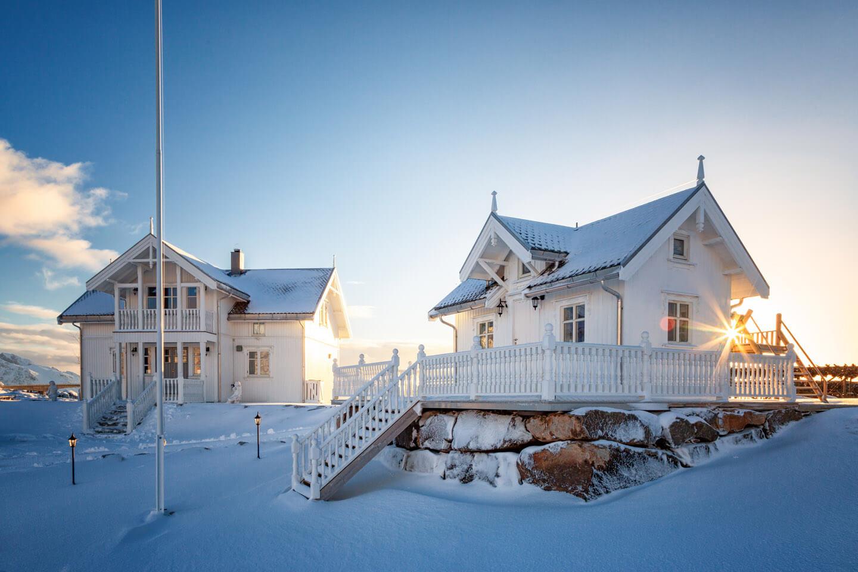 Weiße Fischerhütten Lofoten