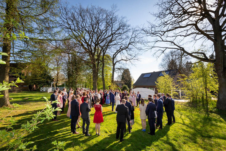 Ansprache bei Hochzeit im Garten
