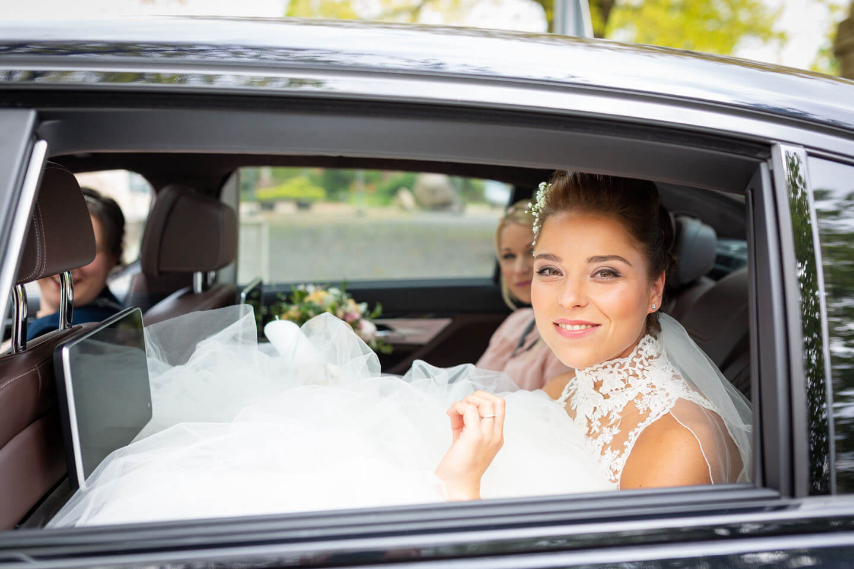 Ankunft der Braut an der Kirche in Nenndorf