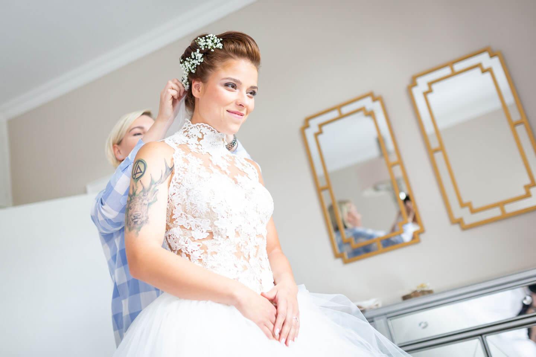 Getting Ready fotografieren - festgehalten von Hochzeitsfotograf Florian Läufer