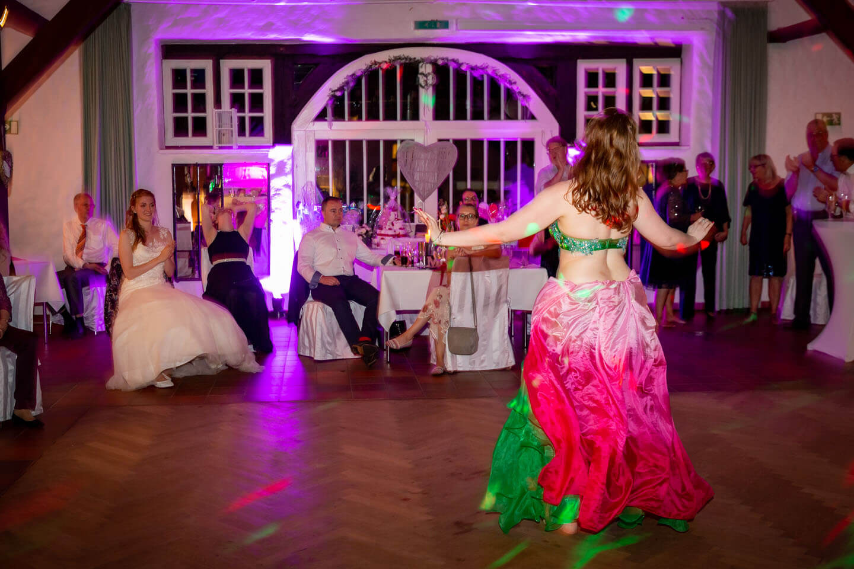 Bauchtänzerin auf einer Hochzeitsfeier in Kaltenkirchen