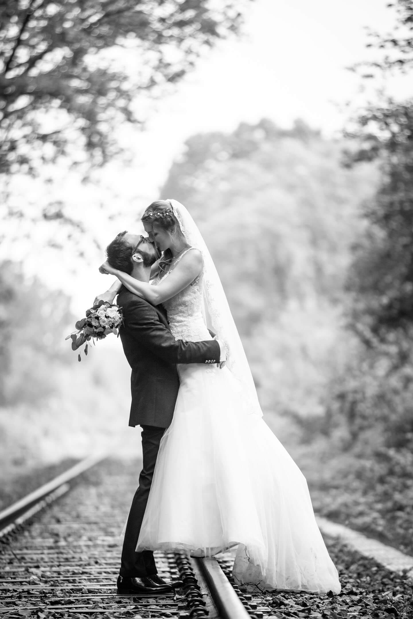 Hochzeitsfoto in Schwarzweiß
