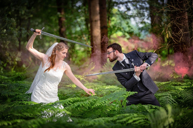 LARP Hochzeit, Fotoshooting mit Schwertern. (Foto: Florian Läufer, Hamburg)