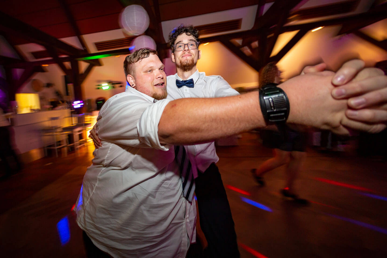 Partystimmung bei Hochhzeitsfeier