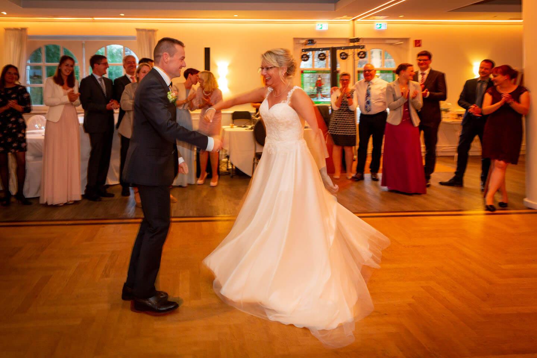 Ententanz als Eröffnungstanz bei Hochzeitsfeier