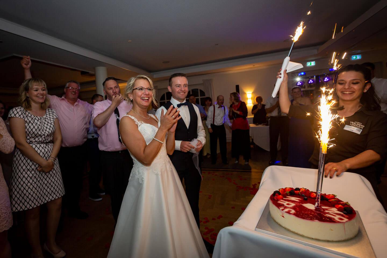 Feuerwerk auf der Hochzeitstorte