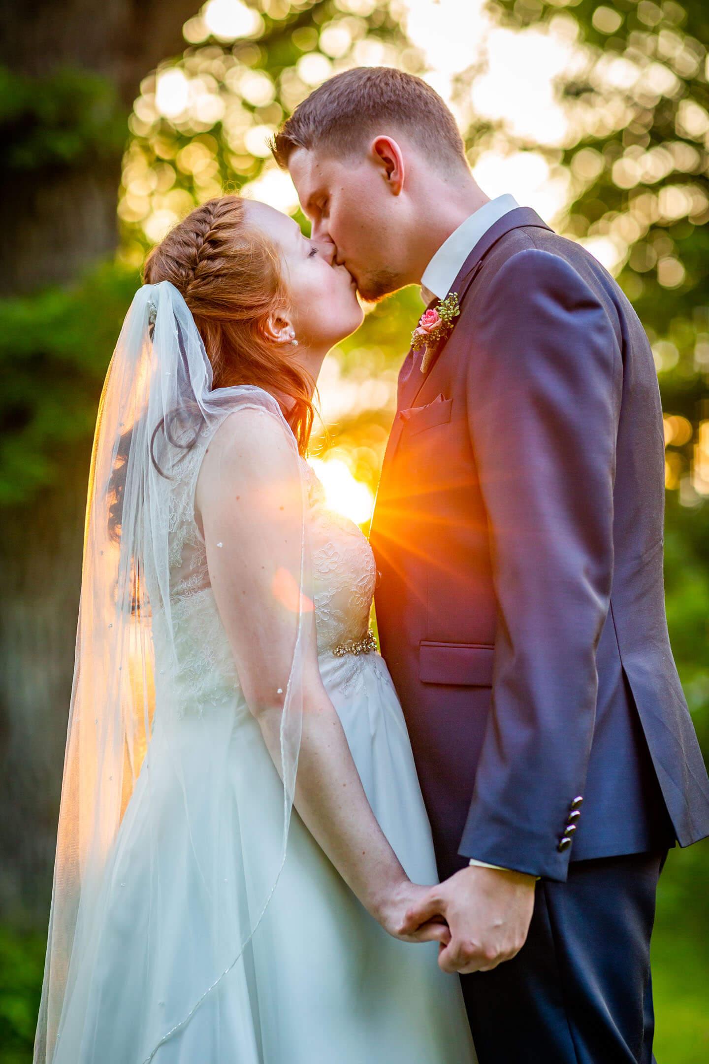 Hochzeitsbilder im Sonnenuntergang. Foto: Florian Läufer