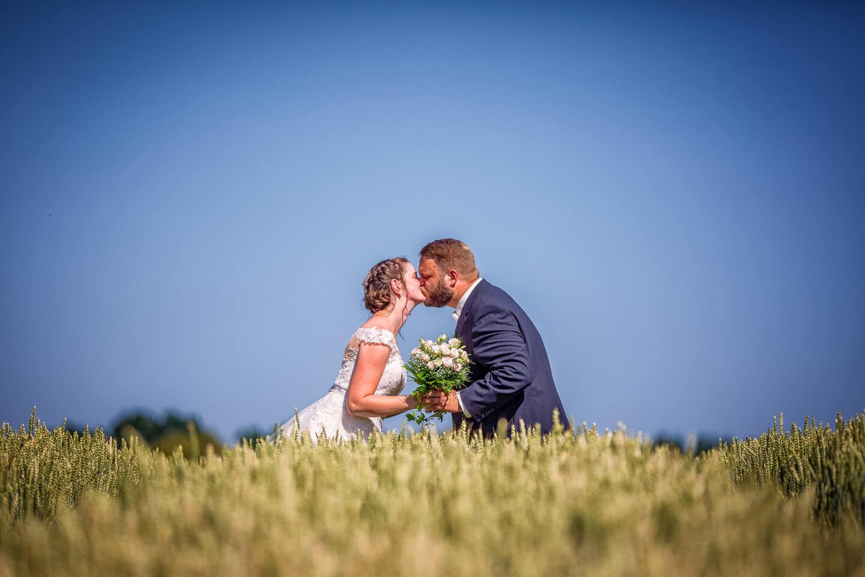 Hochzeitsshooting im Kornfeld