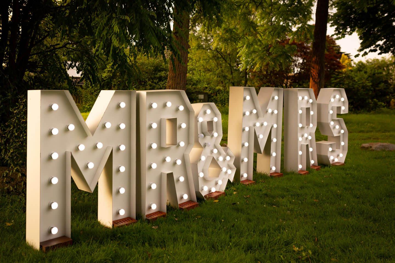 Gartenbeleuchtung Mr & Mrs