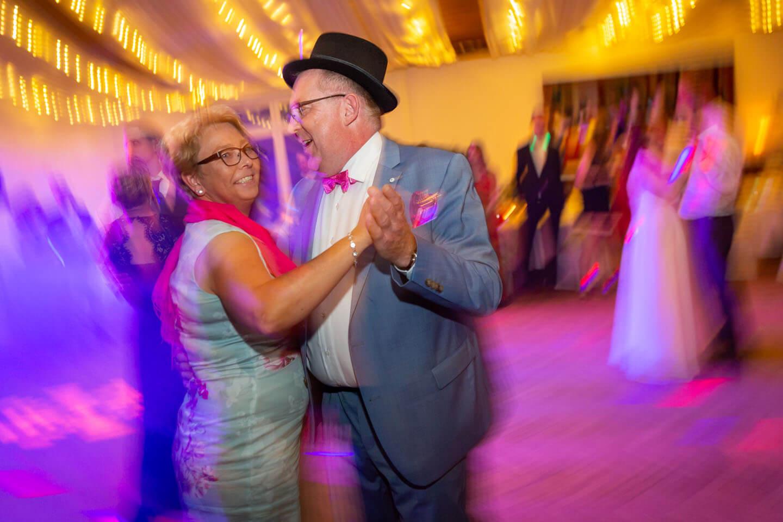 Paar auf der Tanzfläche