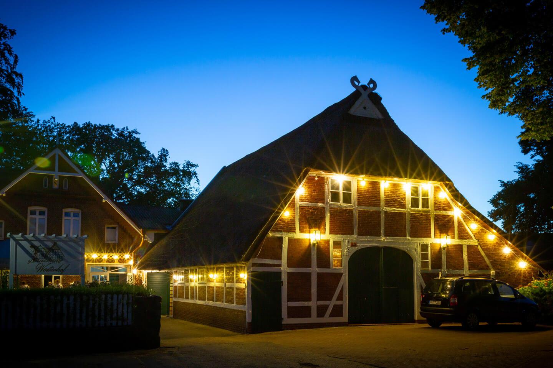 Die Hochzeitslocation Landhaus Westerhof zur blauen Stunde