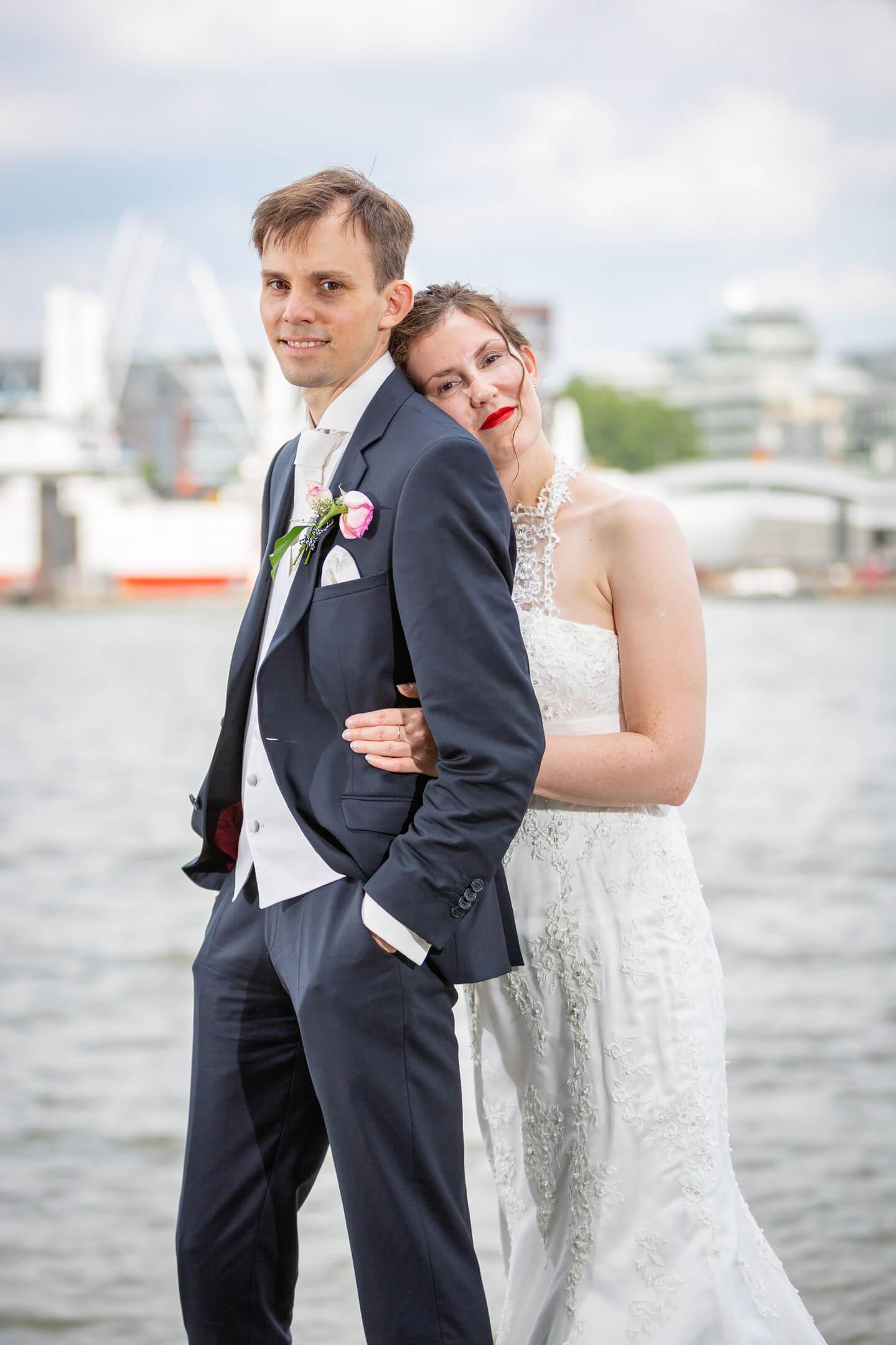 Brautpaar am Hamburger Hafen