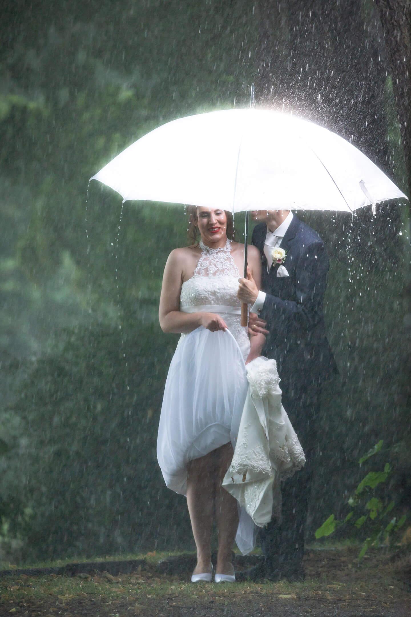 Hochzeitsfotos und schlechtes Wetter