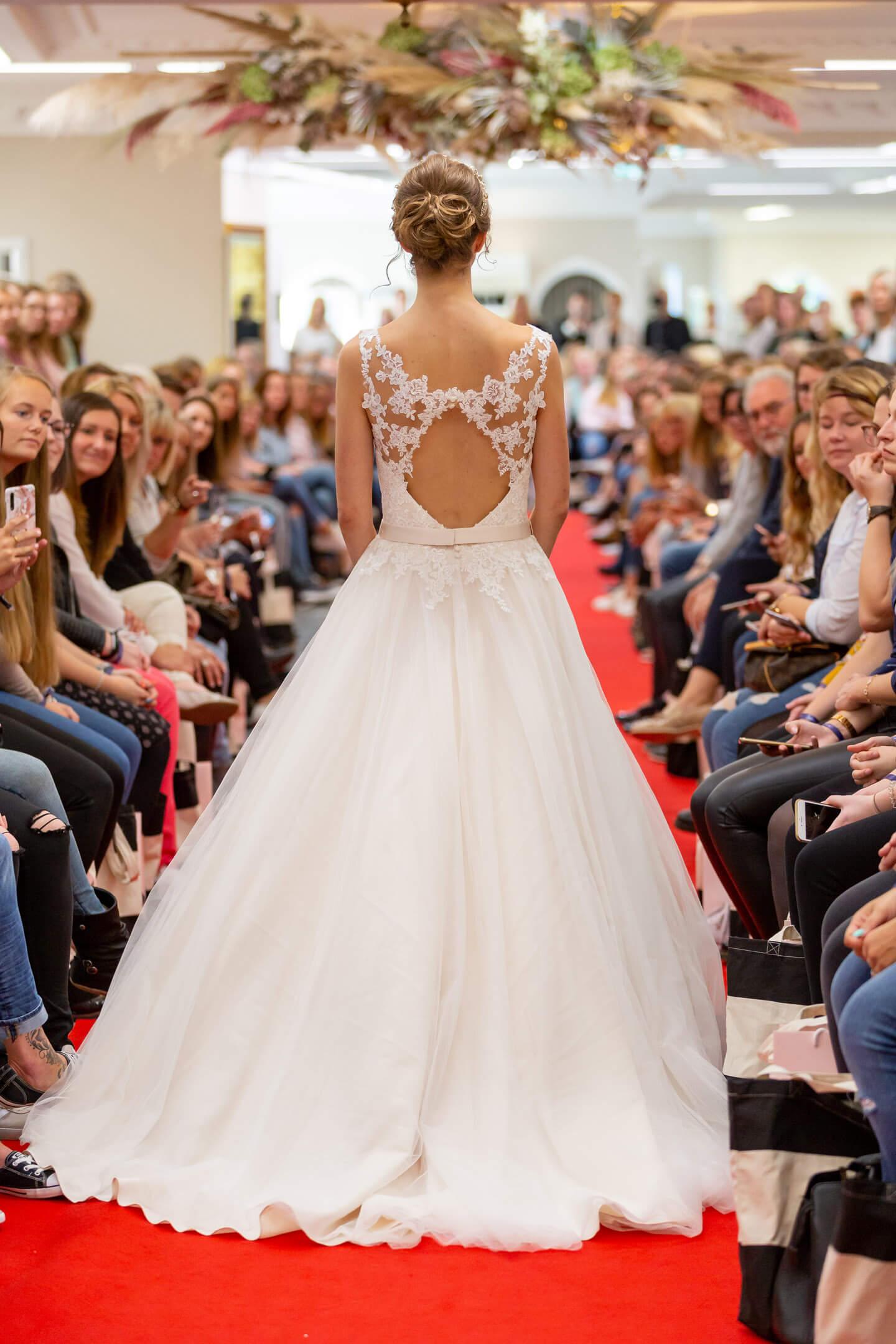 Hochzeitskleid Rückenansicht