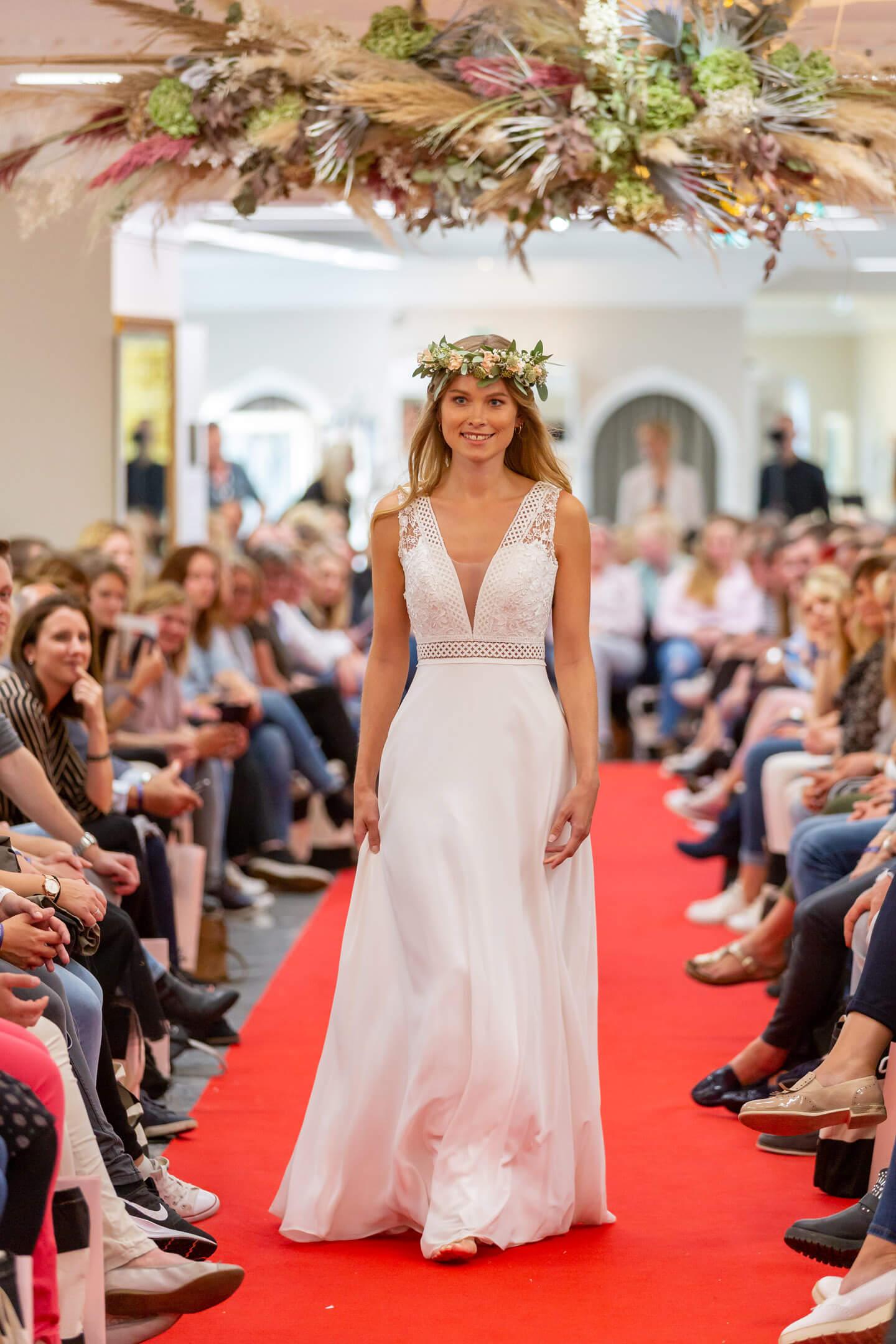 Brautmode präsentiert von Nadine Berneis, Miss Germany 2019