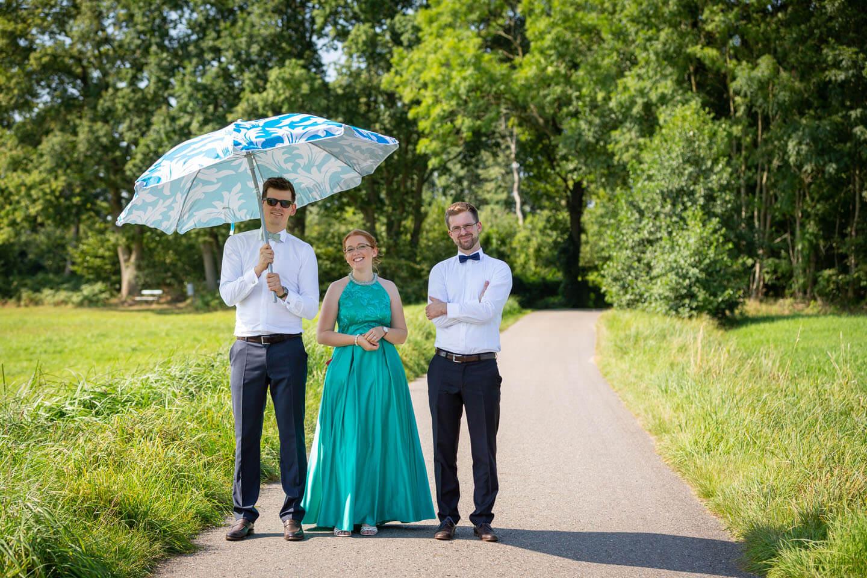 Helfer beim Hochzeitsshooting