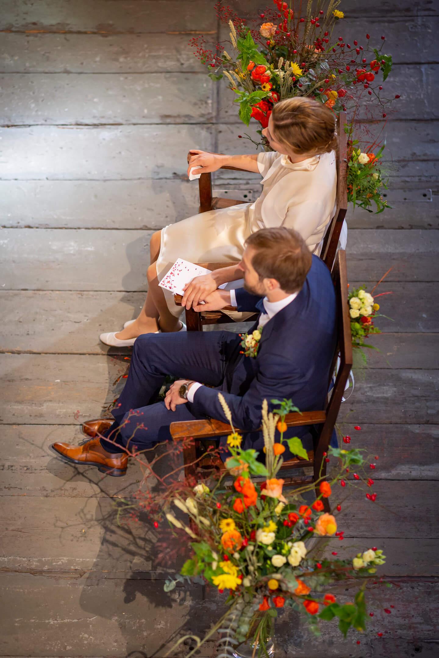 Brautpaar aus erhöhter Perspektive fotografiert