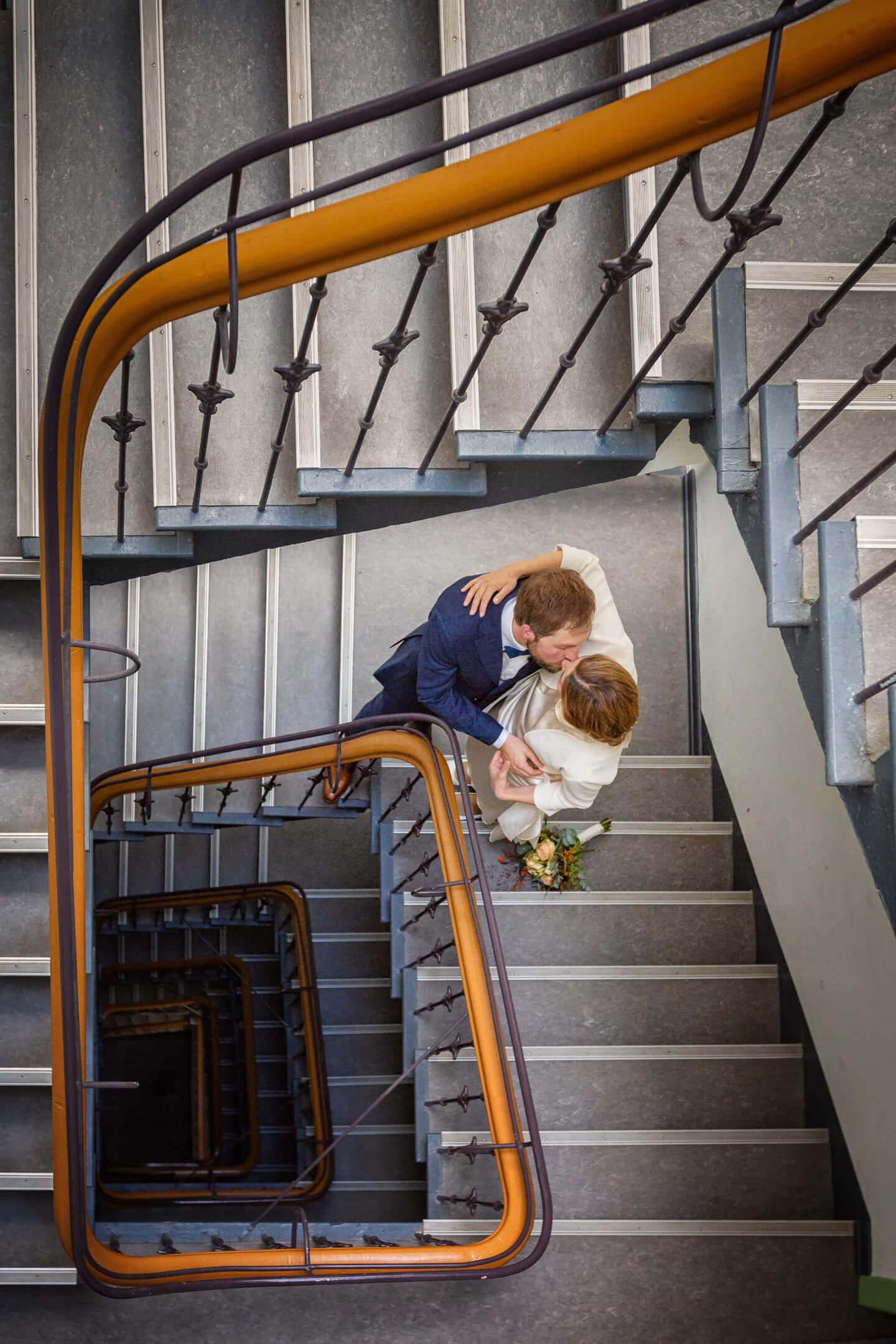Hochzeitsbilder im Treppenhaus