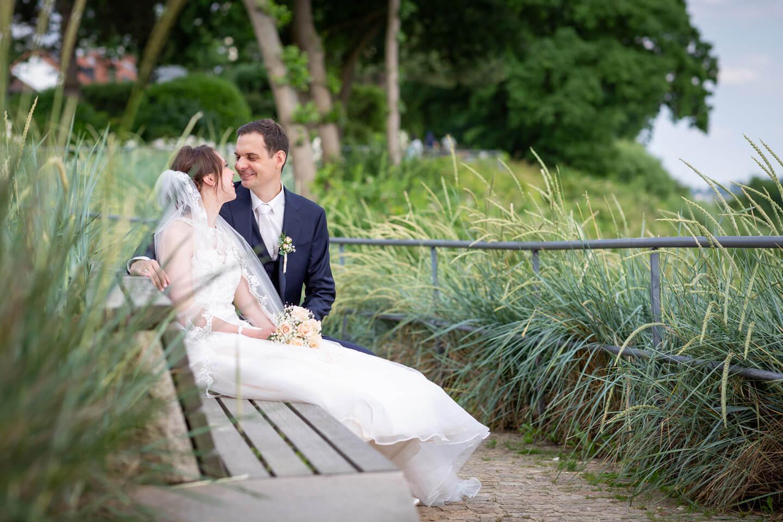 Hochzeitsshooting an der Elbe. Fotograf: Florian Läufer aus Hamburg