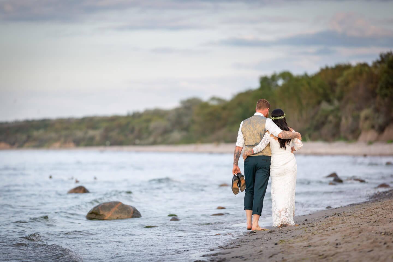 Natürliche Hochzeitsfotos am Strand von Kühlungsborn