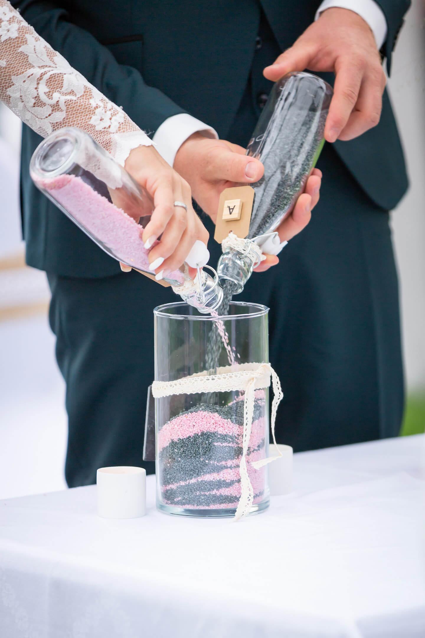 Hochzeitszeremonie Steinchen