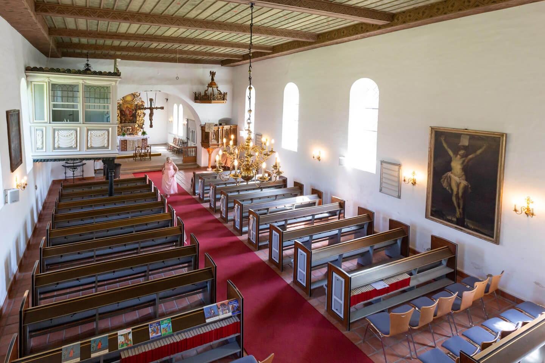 Die St.-Gabriel Mirche ist schön hell - da freut sich der Hochzeitsfotograf