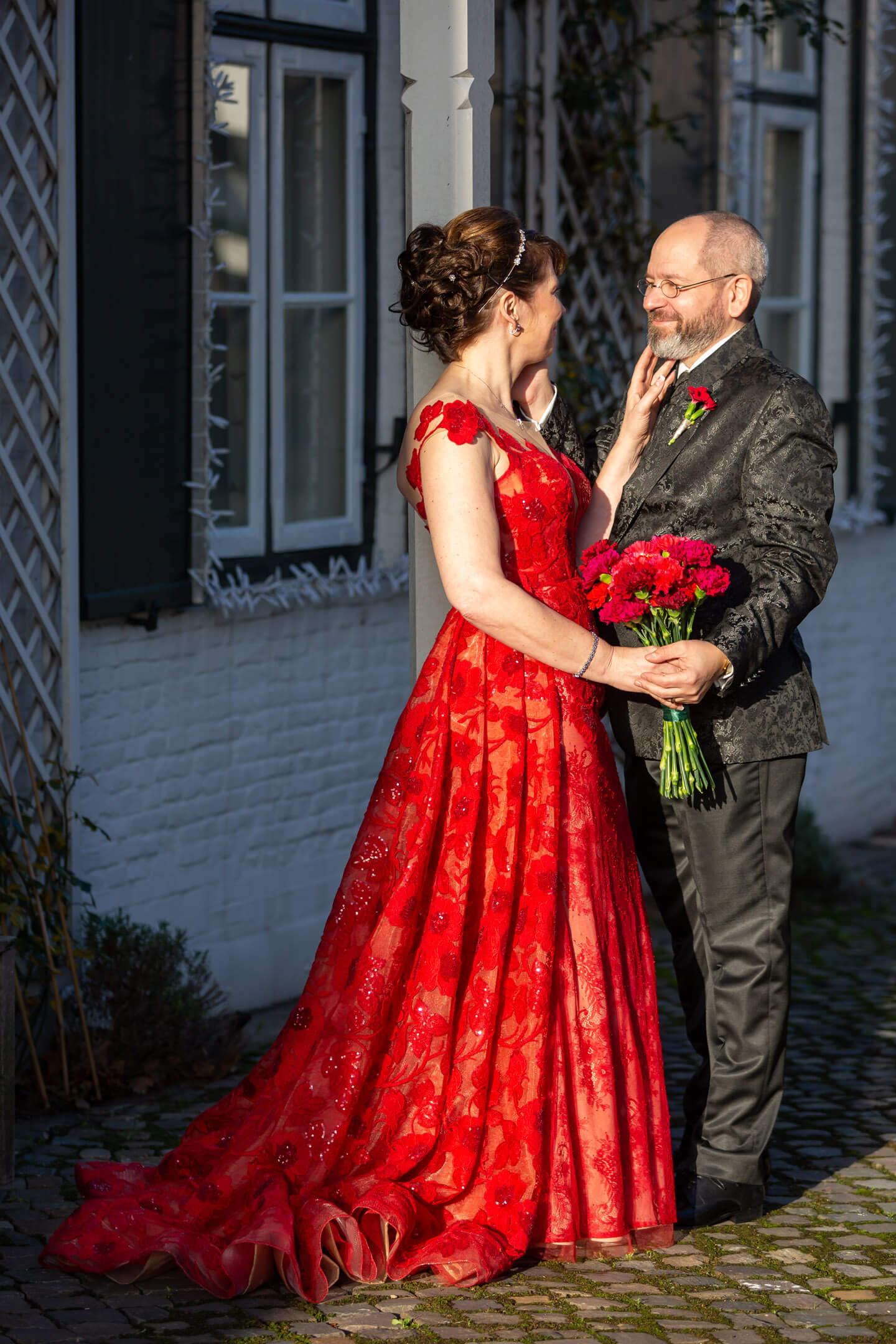Hochzeitsfoto vor dem Hotel Jacob in Hamburg