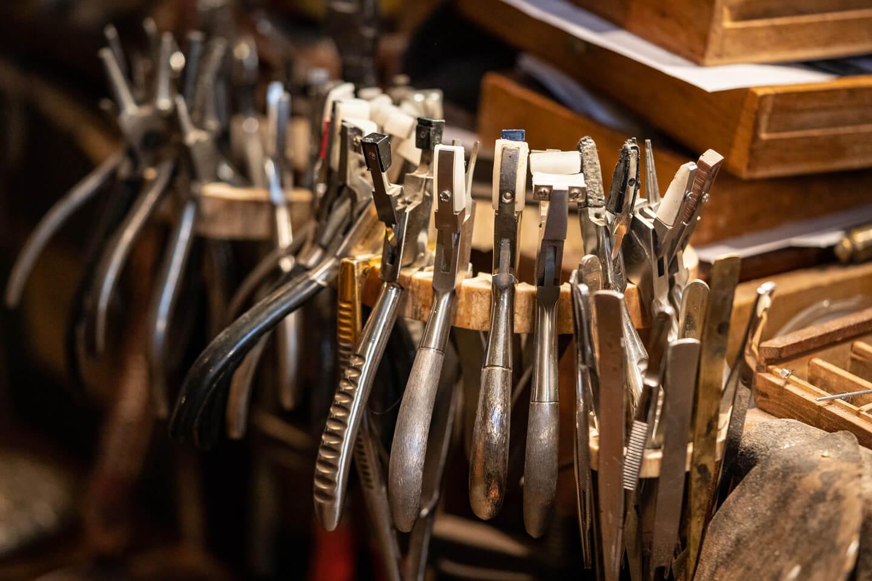 Werkzeug eines Brillenmachers