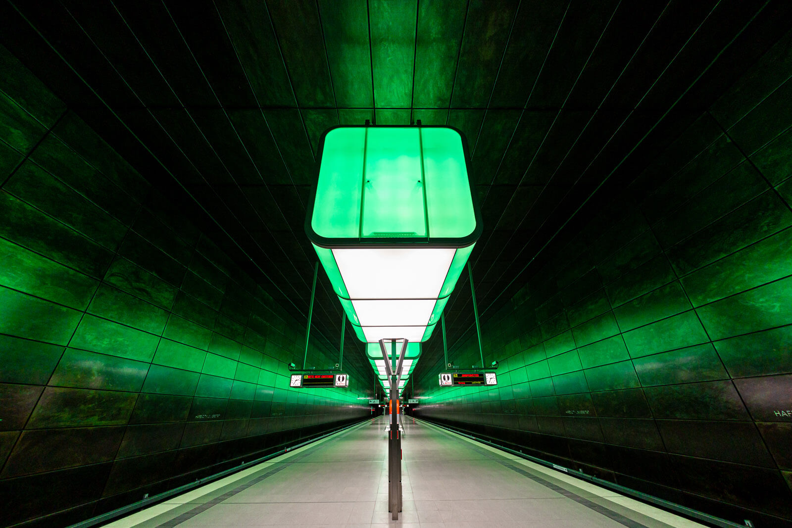 Illumination der U-Bahnstation Hafencity Universität in Hamburg