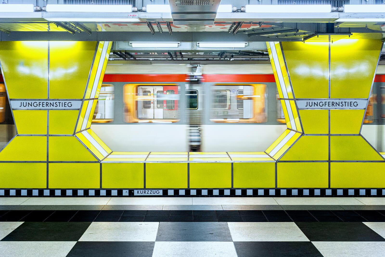 Jungfernstieg U-Bahnhof