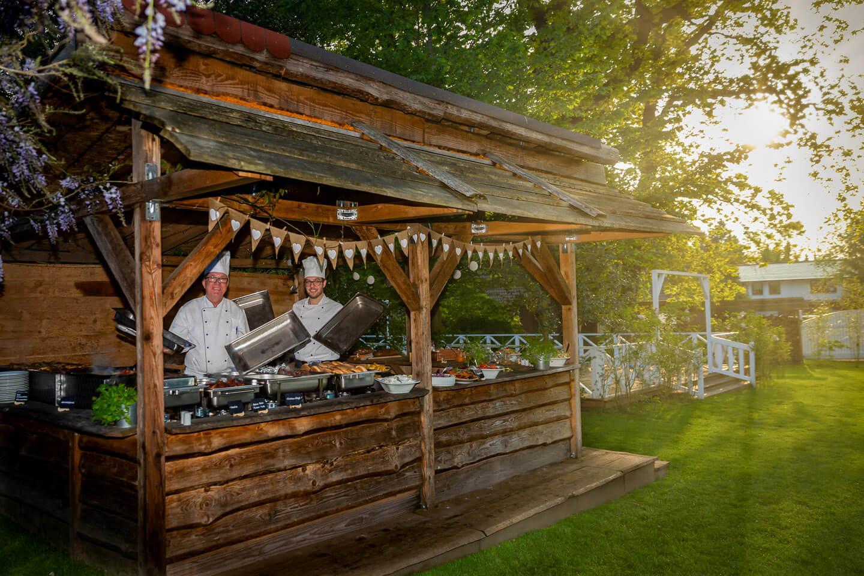 Gartenbüfett Hochzeitsfeier
