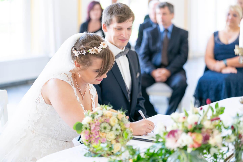 Unterschrift der Heiratsurkunde
