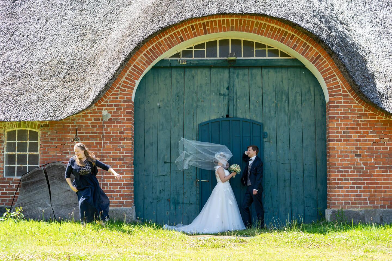 Outtake: Hochzeitsfotos auf Gut Altenhof von dem Fotografen Florian Läufer aus Hamburg