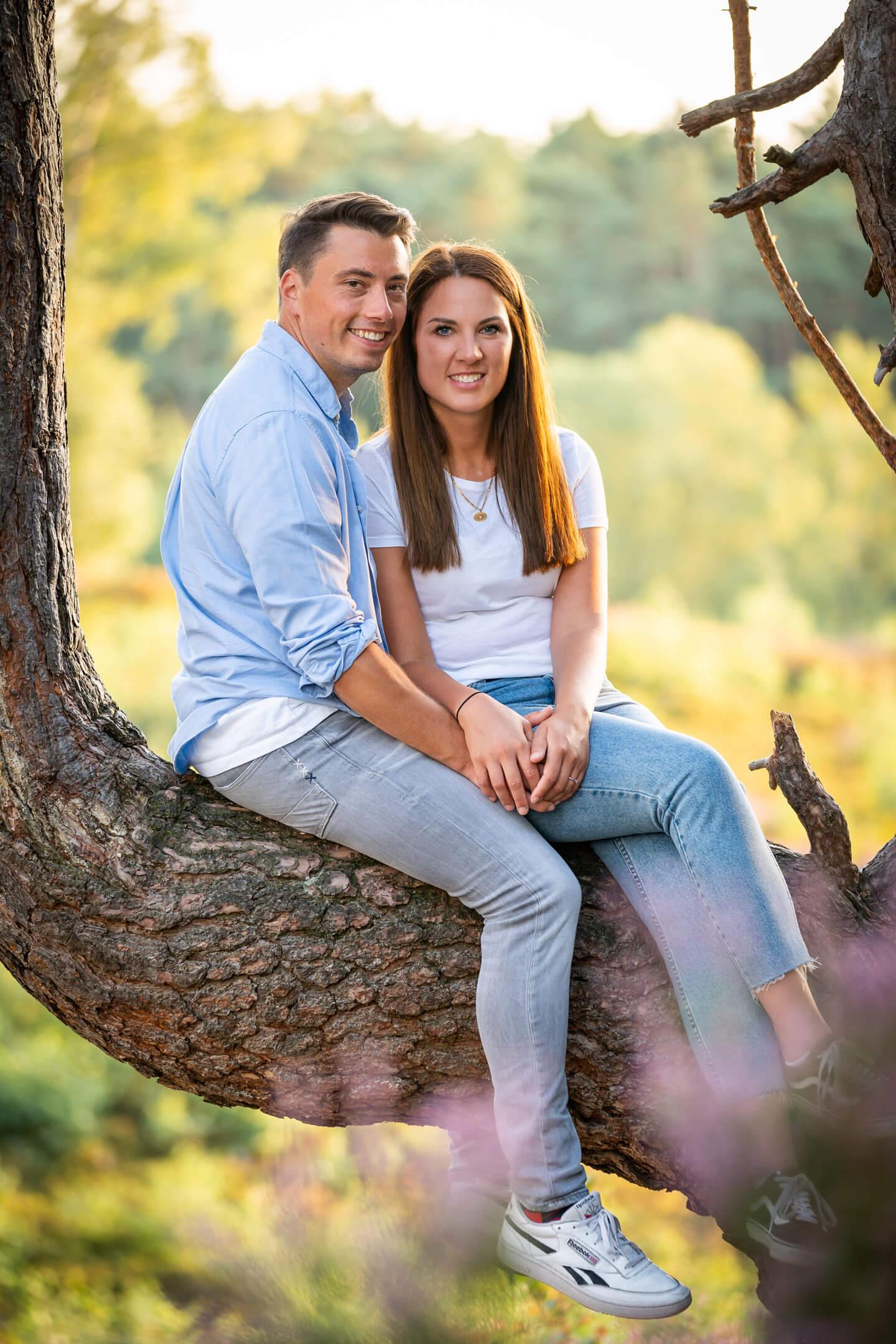 Paarfoto während eines Engagement-Shootings mit dem Hamburger Fotograf Florian Läufer