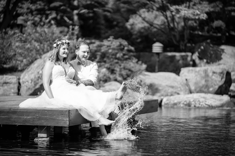 Natürliche Hochzeitsfotos bei After Wedding-Shooting in Planten un Blomen