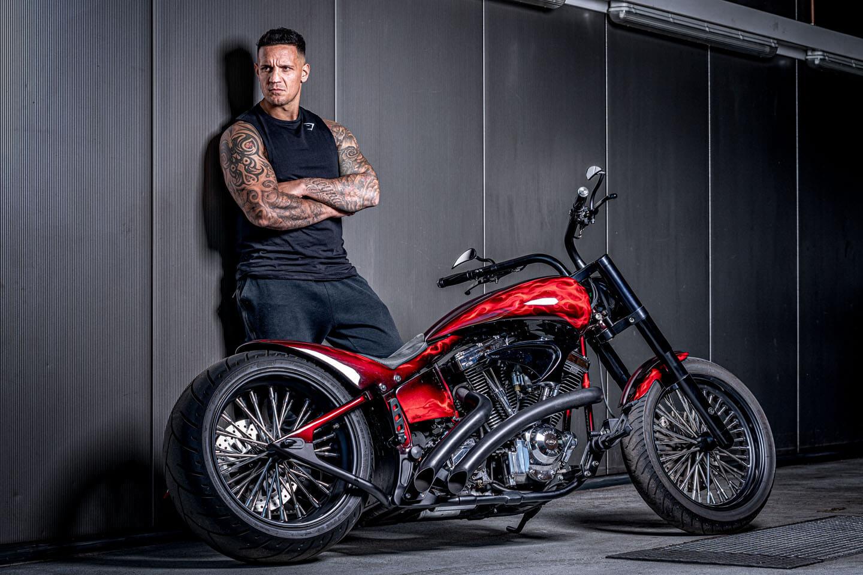 Motorrad Fotoshooting in der Werkstatt
