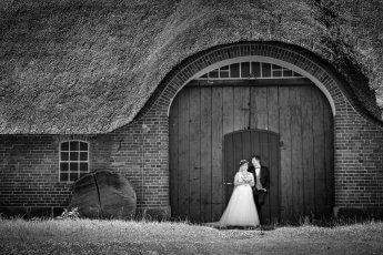 Brautpaarshooting am alten Bauernhaus