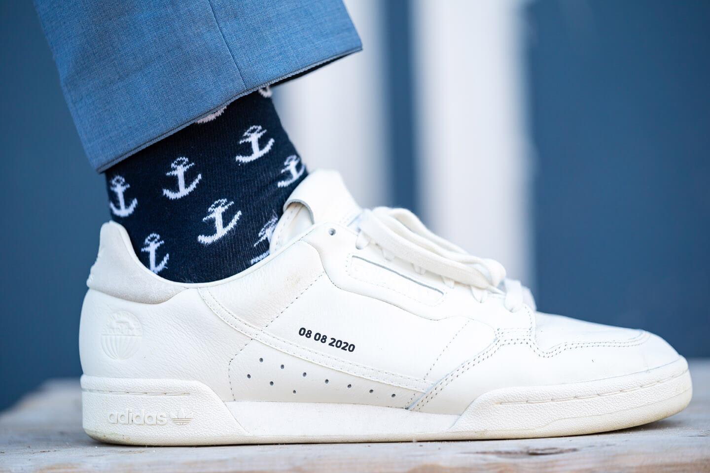 Adidas-Schuhe mit Hochzeitsdatum