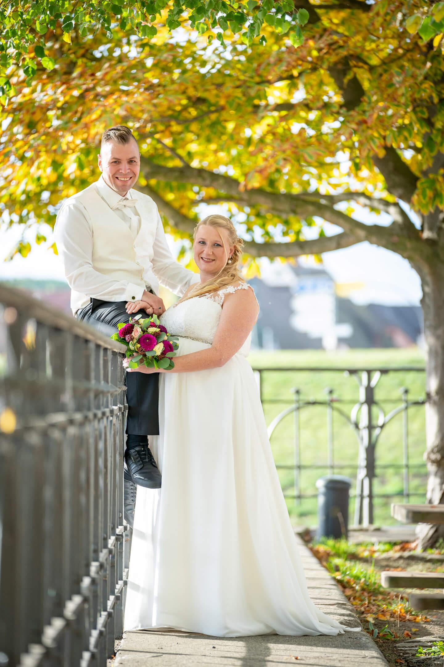 Hochzeitsfotos am Zollenspieker Fährhaus im Herbst
