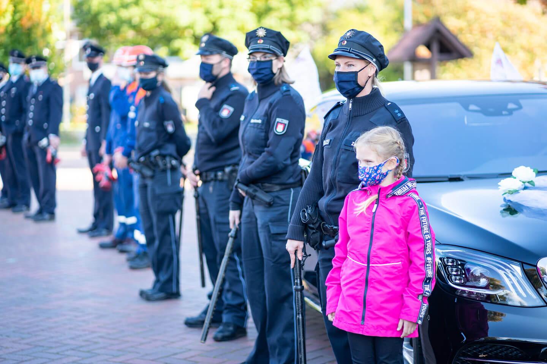 Polizei steht Spalier