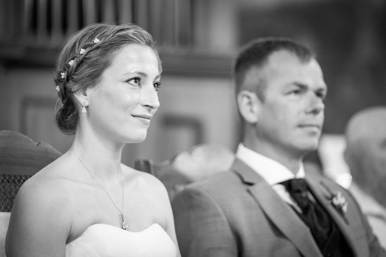 Braut bei standesamtlicher Trauung in Mecklenburg-Vorpommern