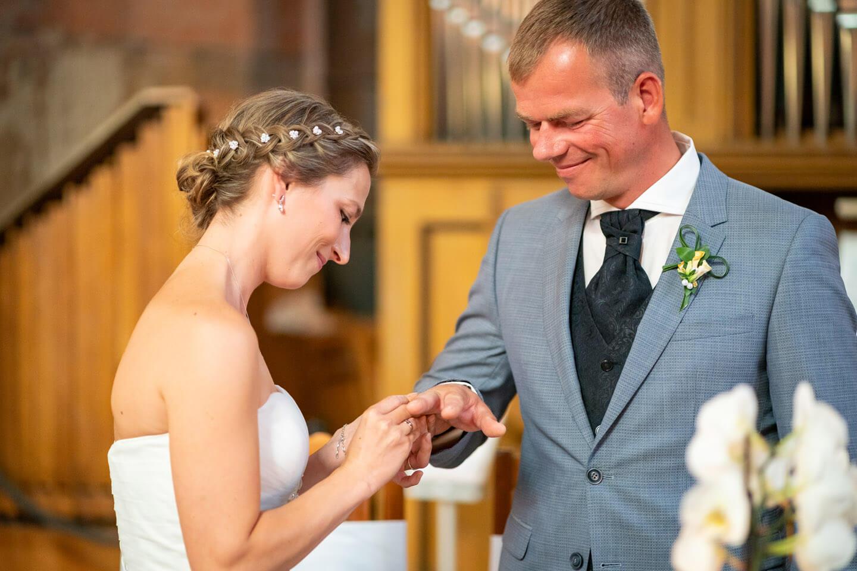 Ring aufstecken bei standesamtlicher Heirat