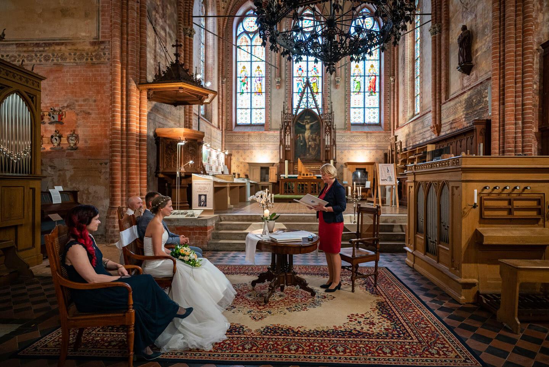 Standesamtliche Hochzeit in der Klosterkirche Malchow an der Mecklenburgischen Seenplatte
