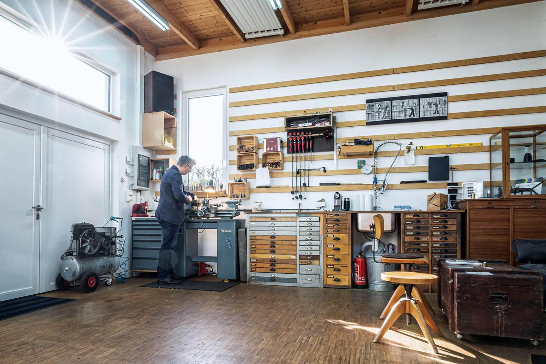Handwerk fotografieren in der Atelier-Werkstatt von Elbwood in Hamburg