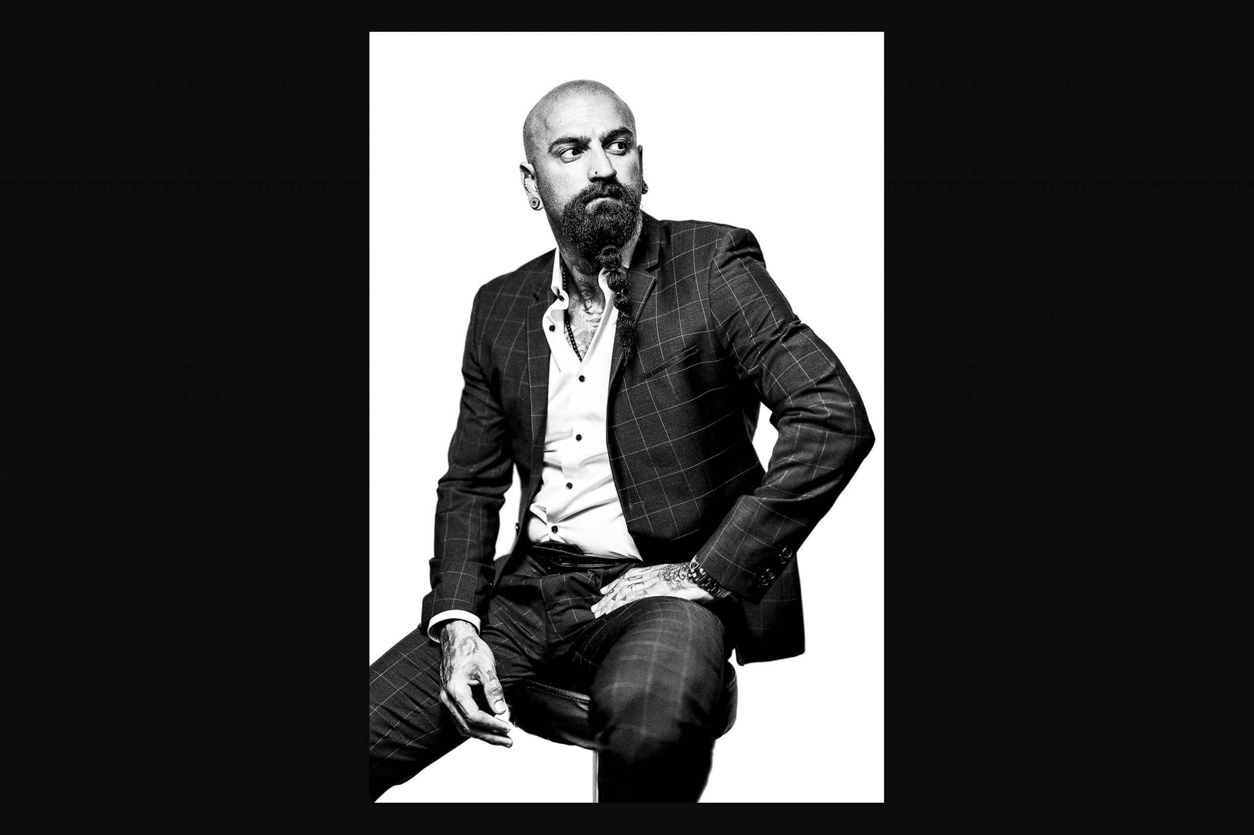 Charakter Portrait. Der Fotograf Florian Läufer aus Hamburg machte dieses Portraitfoto in schwarzweiß.