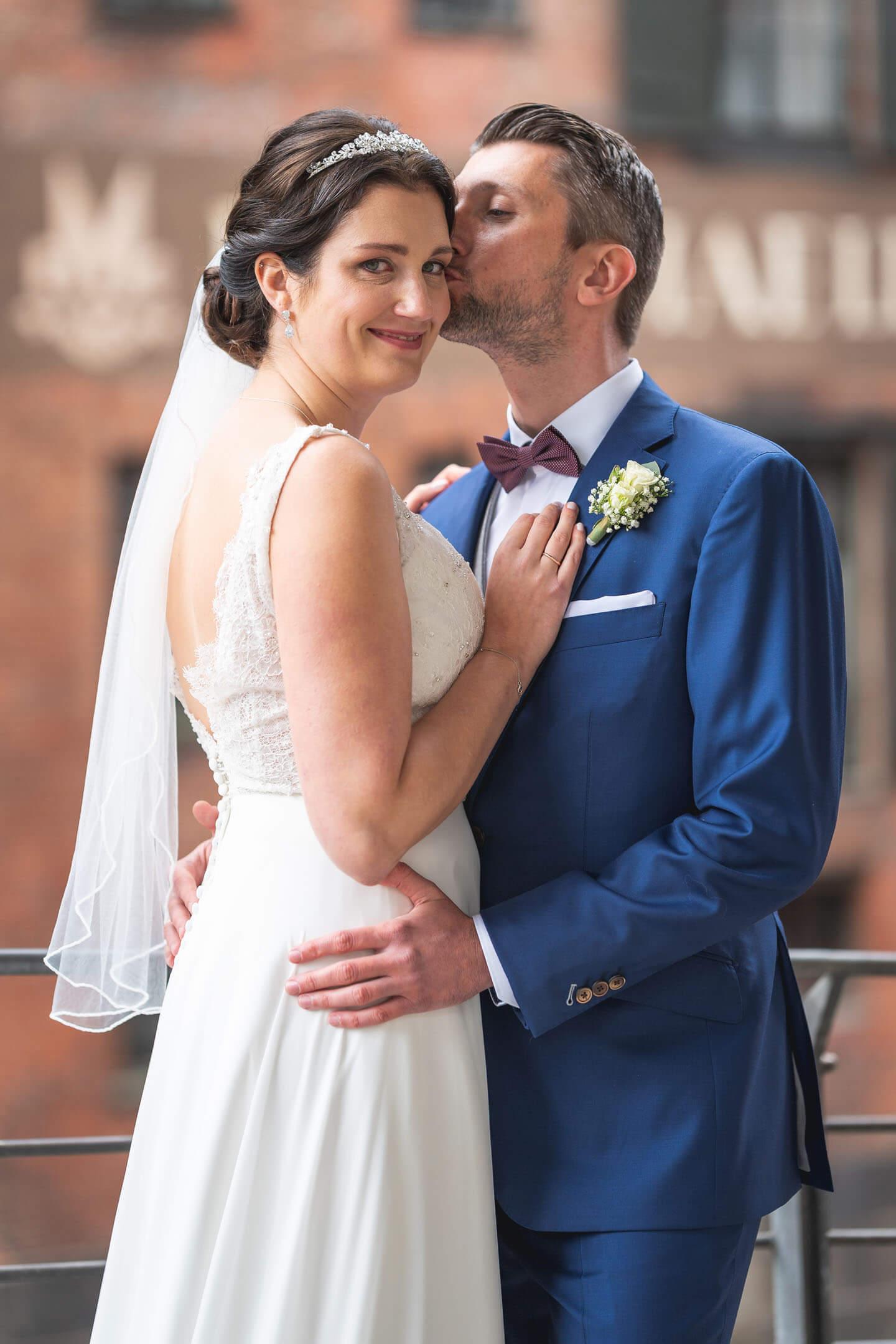 Hochzeitsfoto in der Hamburger Innenstadt.