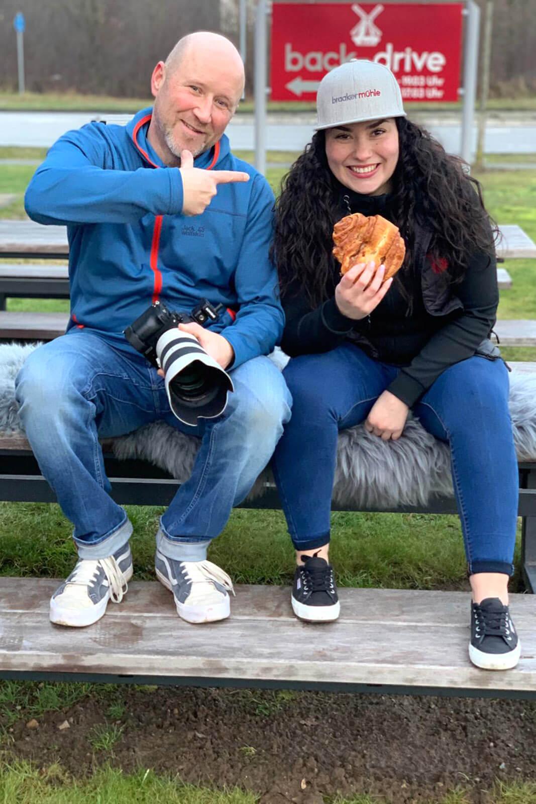 Der Fotograf Florian Läufer aus Hamburg mit Model Katherine im Backdrive Stapelfeld.