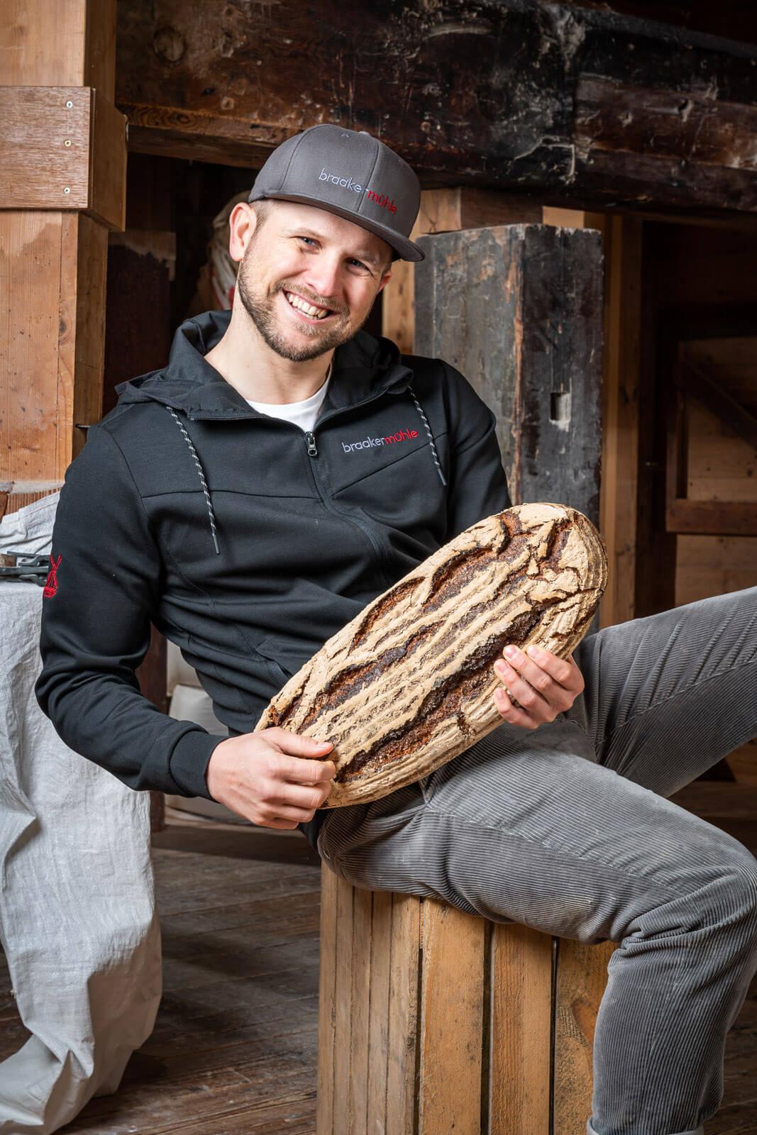 Mark Lessau, Inhaber der Braaker Mühle in sechster Generation.