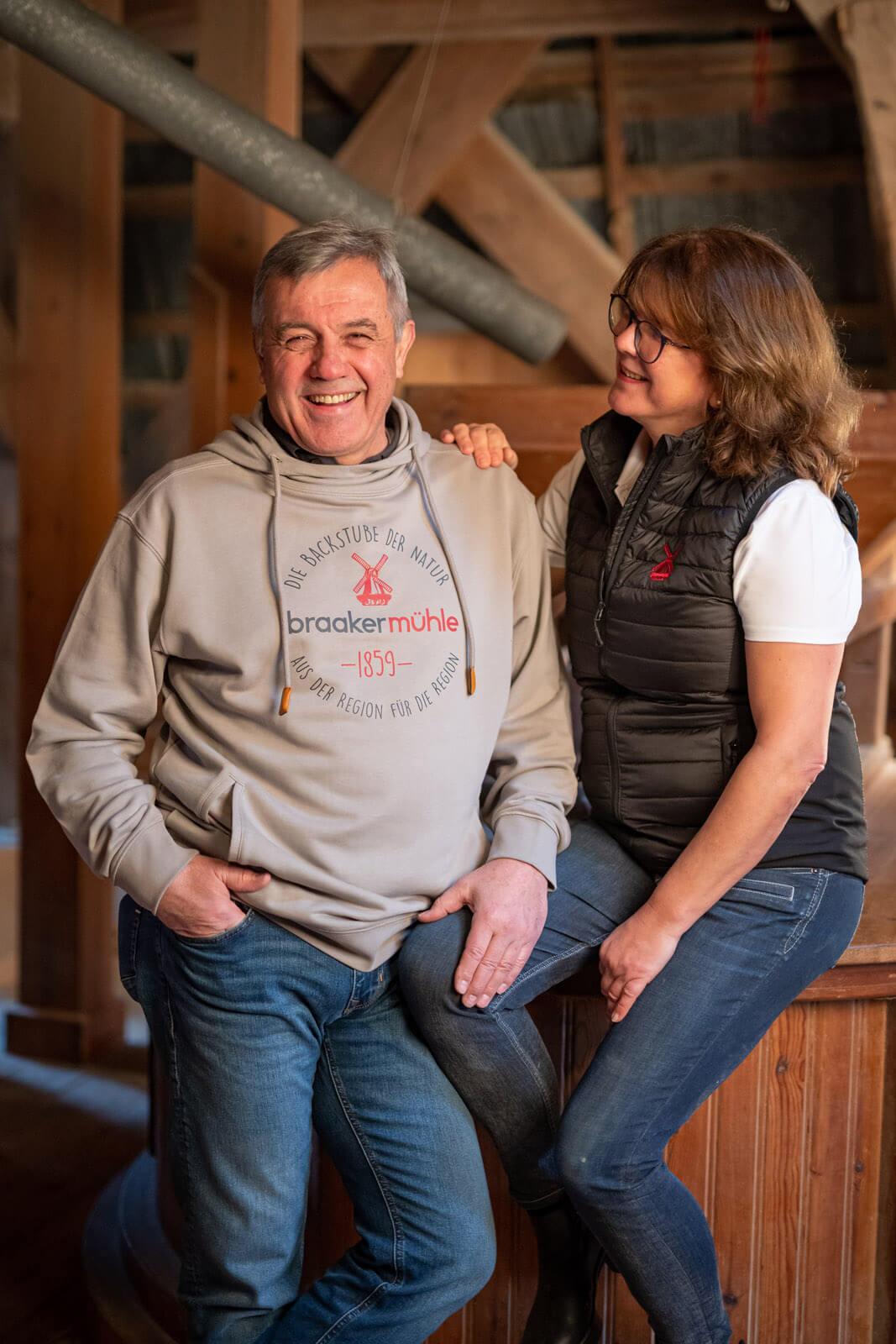 Joachim und Maren Lessau führen die Braaker Mühle in fünfter Generation. Festgehalten von dem Unternehmensfotograf Florian Läufer