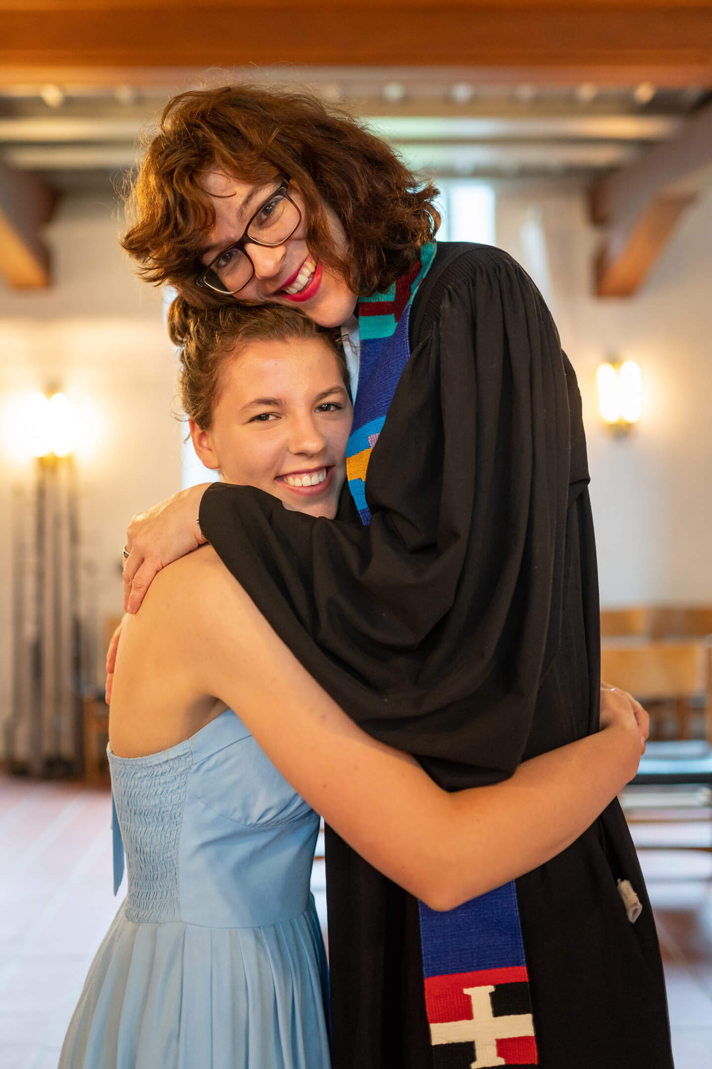 Pastorin Angelika Gogolin mit Tochter Marietta